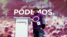 El ecuatoriano George Cueva, en un acto de campaña de Podemos en Andalucía (Foto: Facebook)