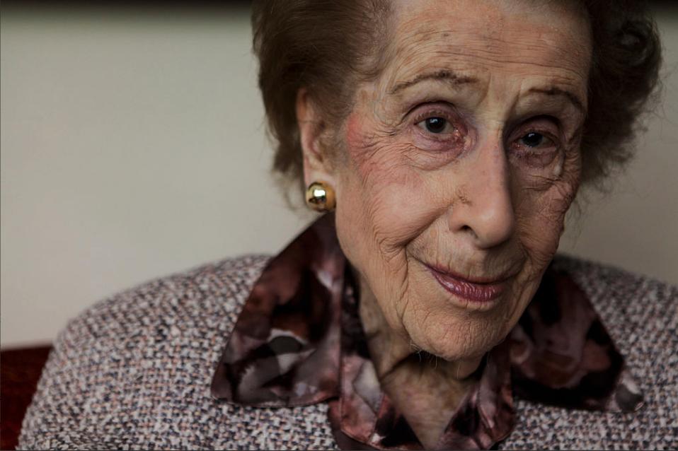 Irene Bergman, bróker más longeva de Wall Street en su casa de NY (Foto: Getty)