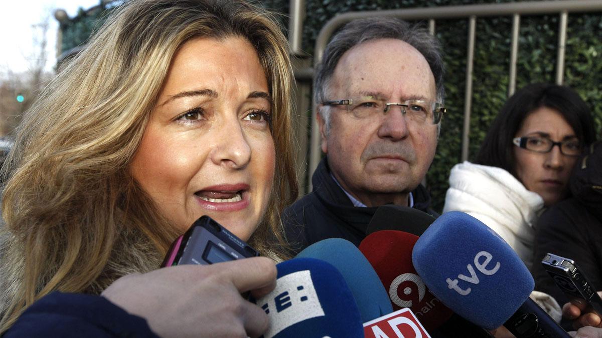 La abogada de Manos Limpias Virginia López Negrete y Miguel Bernad. (Foto: EFE)