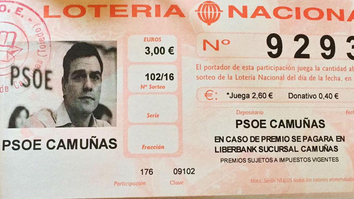 Participación de lotería con la foto de Pedro Sánchez vendida por la agrupación socialista de Camuñas. (Foto: Facebook)