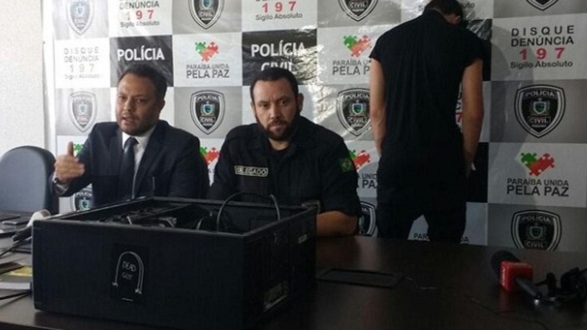 Agentes de la policía brasileña en la rueda de prensa con el cómplice detenido por los crímenes de Pioz