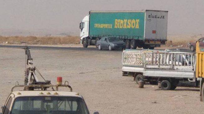 Un periodista de guerra se encuentra con un camión de Transportes Bidasoa… ¡en Mosul!