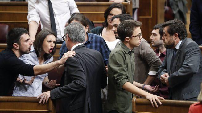 Podemos aplaude a rabiar al proetarra y Villegas les llama «amigos de los terroristas»