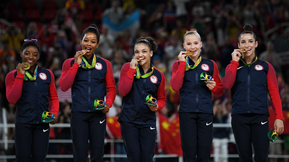 El equipo olímpico de gimnasia de Estados Unidos, oro en Río. (Getty)