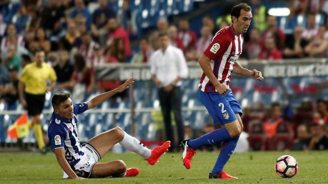 Amorebieta ha visto dos amarillas más que la defensa del Atlético, que es la menos amonestada