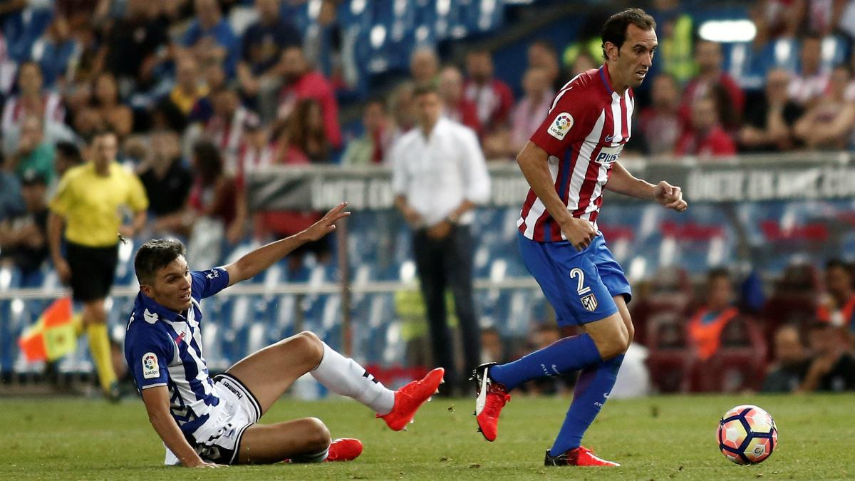 Diego Godín, durante el Atlético de Madrid vs Alavés