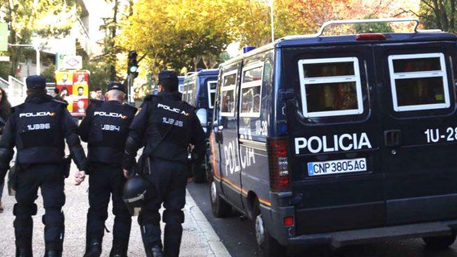 """Los sindicatos de la Policía advierten a Zoido: """"El nivel 4 de alerta antiterrorista hace agua"""""""