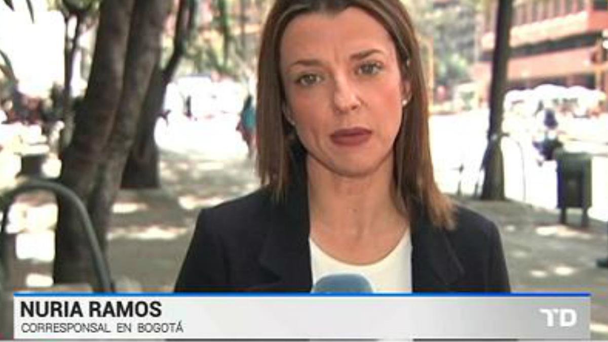 Nuria Ramos, la corresponsal de RTVE en Bogotá, sigue retenida en el aeropuerto de Caracas. RTVE