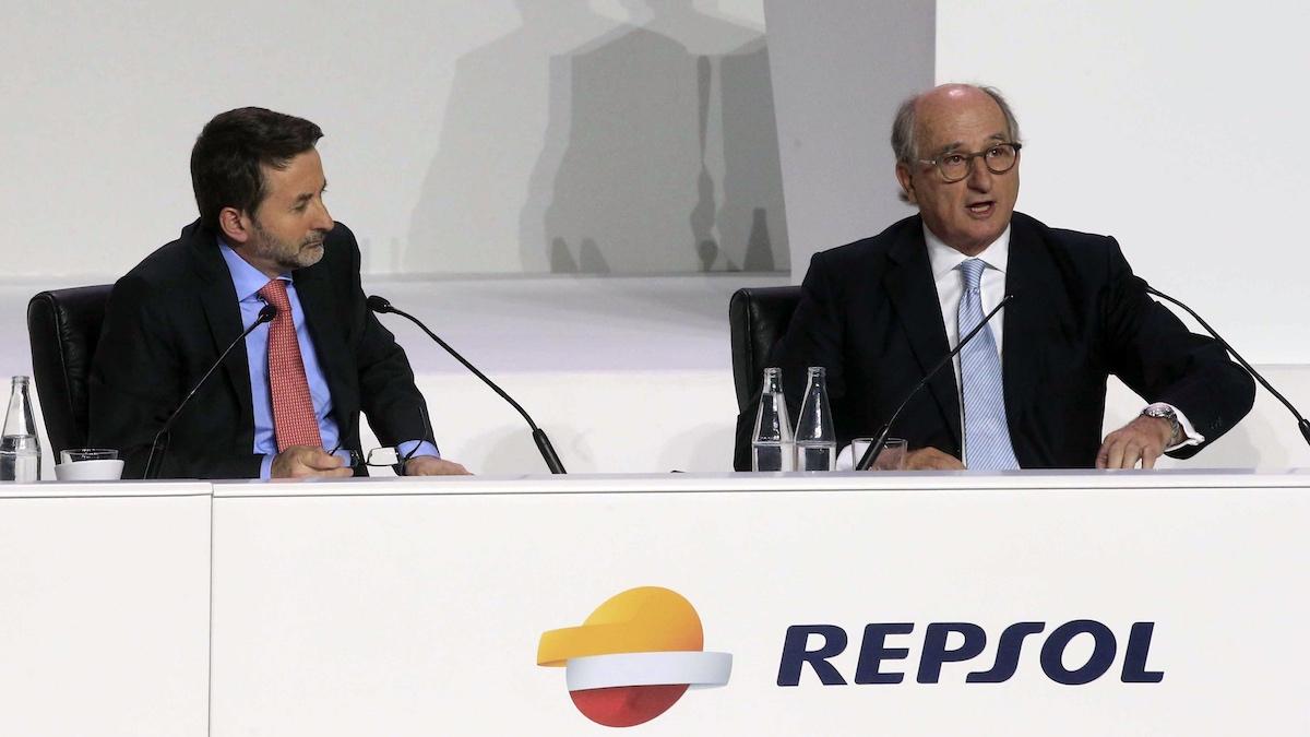 El presidente de Repsol, Antonio Brufau, y el consejero delegado, Josu Jon Imaz. (Foto: EFE)