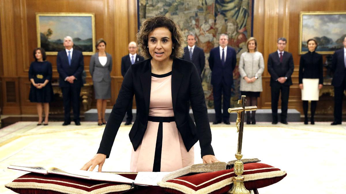 Dolors Montserrat jurando el cargo de ministra (Foto: Efe).