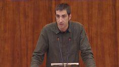 El diputado de Podemos en la Asamblea de Madrid, Emilio Delgado (Foto: Youtube)