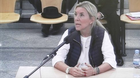 Isabel Jordán durante su declaración ante el juez del caso Gürtel. (Foto: EFE)