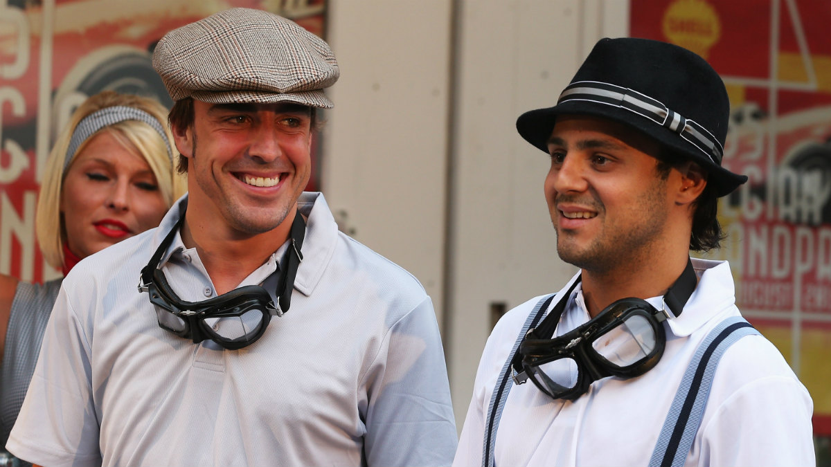 Fernando Alonso, junto a Massa en su etapa en Ferrari. (Getty)