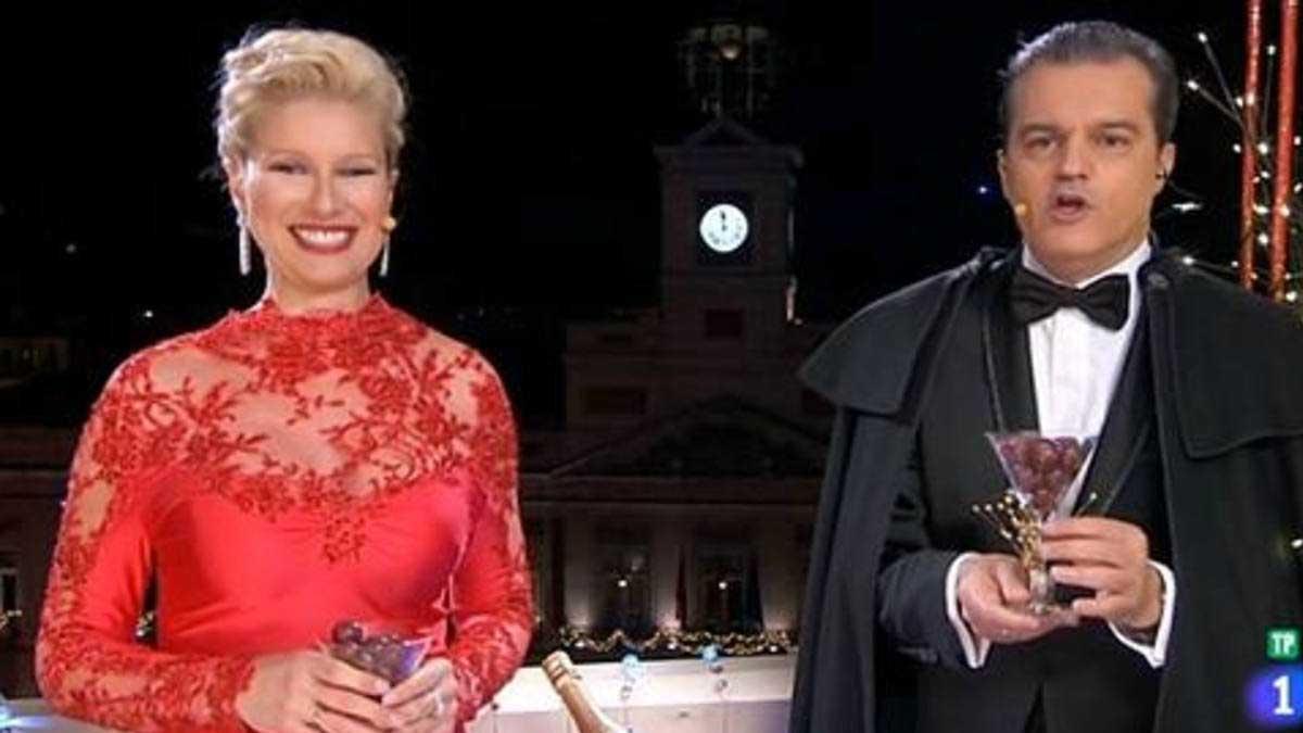 Ramón García y Anne Igartiburu durante las campanadas de Año Nuevo.