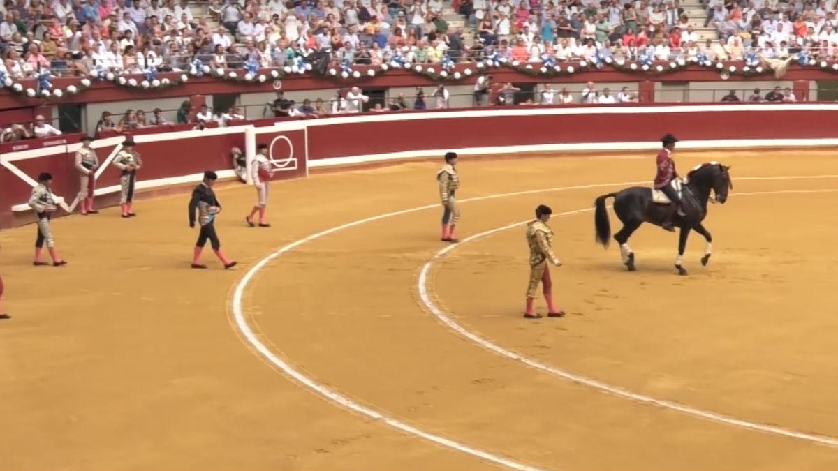 Corrida de toros en la plaza de Illumbe (San Sebastián) en 2016. (Foto: Youtube)