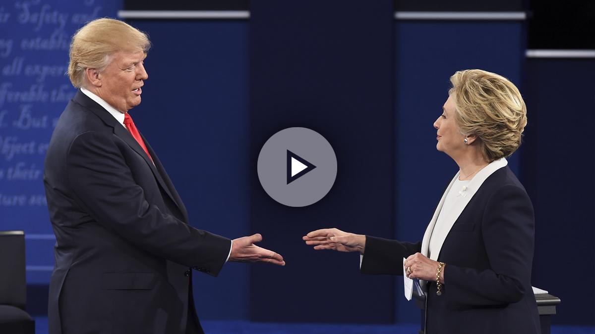 Trump y Clinton, durante uno de los debates televisivos de la campaña.