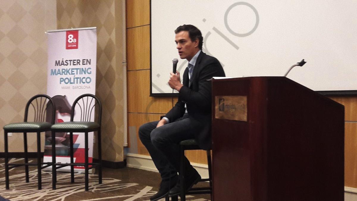 Pedro Sánchez durante su conferencia en Washington.