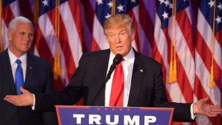 Donald Trump durante su primer discurso tras ganar las elecciones (Foto: AFP).