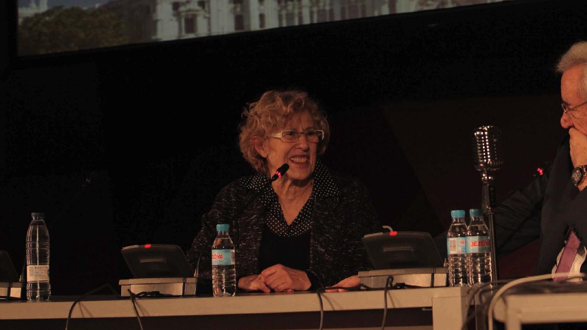 La alcaldesa Manuela Carmena en el Día Mundial de la Radio. (Foto: Madrid)