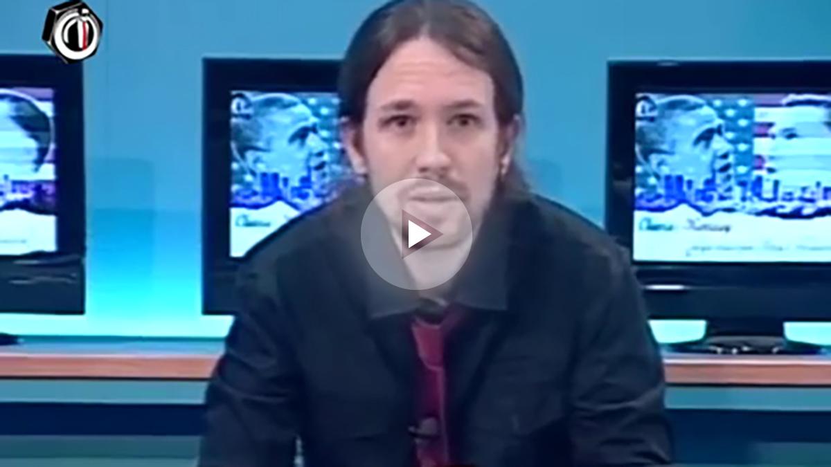 El secretario general de Podemos, Pablo Iglesias, defiende la tenencia de armas