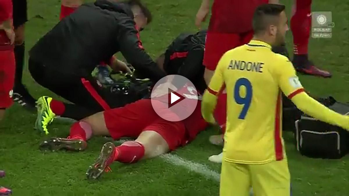 Lewandowski quedó conmocionado por un petardazo.