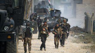 Soldados de las fuerzas de elite iraquíes en las calles de Mosul (Foto: AFP).