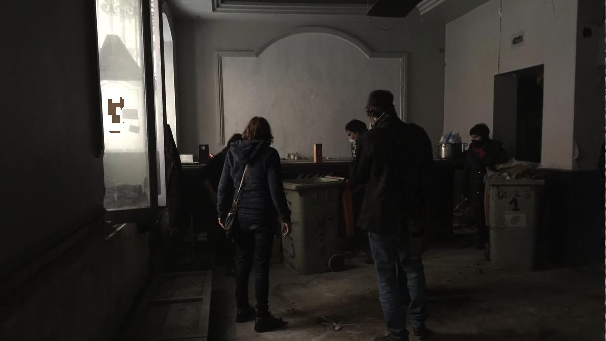 Interior del bloque okupado. (Foto: TW)