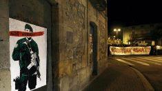 Pintadas amenazantes sobre la Guardia Civil en Alsasua, Navarra. (Foto: EFE)