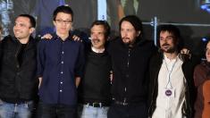 Luis Alegre, Íñigo Errejón, José Manuel López, Pablo Iglesias y Ramón Espinar. (Foto: AFP)