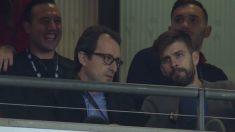 Piqué, en la grada de Wembley apoyando a sus compañeros de España.