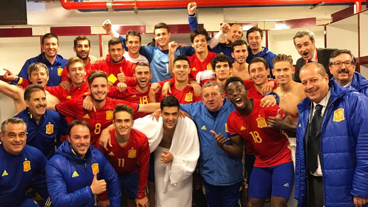 La Sub 21 celebra el pase a la Eurocopa.