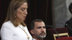 Ana Pastor y Felipe VI. (Foto: EFE)