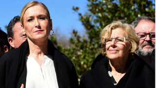 Manuela Carmena y Cristina Cifuentes