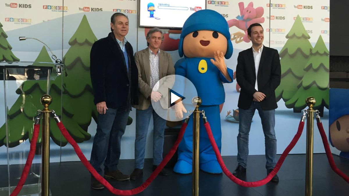 Miguel Valladares, presidente de Zinkia, junto con Alberto Delgado, consejero delegado y Elías Moreno, gerente de Alianzas de YouTube.