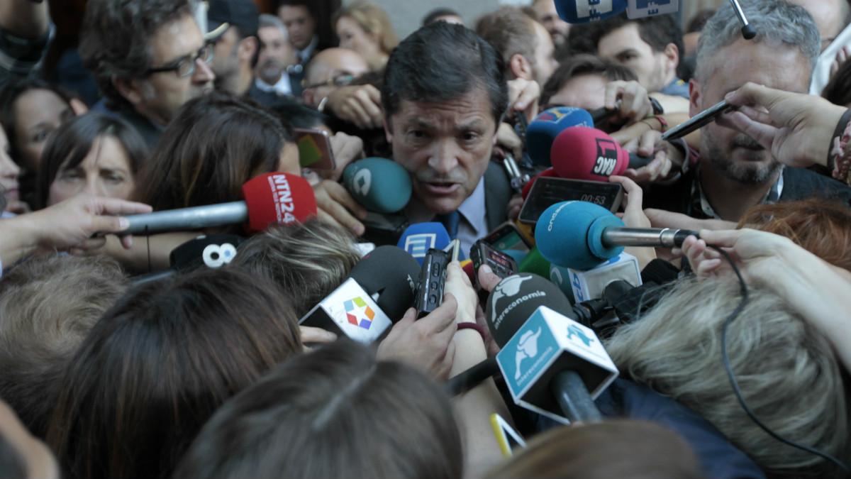 Javier Fernández, presidente de la gestora del PSOE. (Foto:OKD)