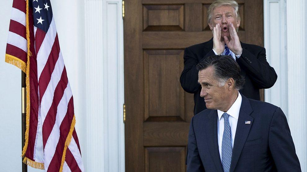 Donald Trump y Mitt Romney (Foto: AFP)