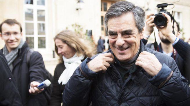 Fillon arrasa en las Primarias de la derecha francesa por delante de Juppé y Sarkozy se hunde