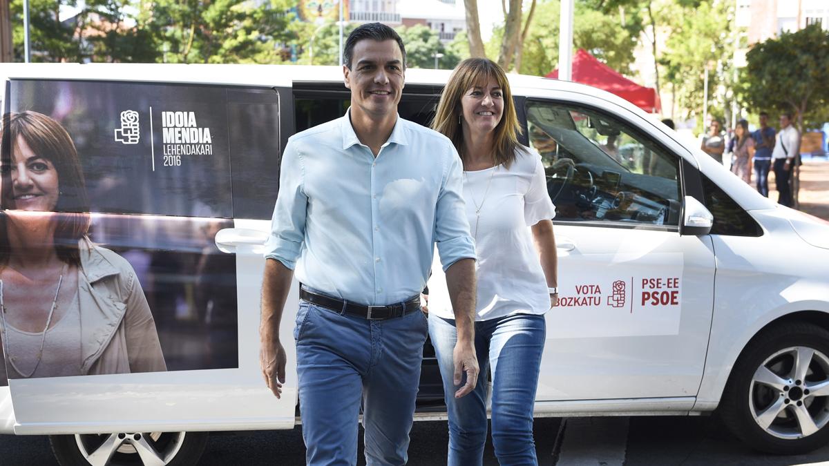 Pedro Sánchez e Idoia Mendia. (Foto: EFE)