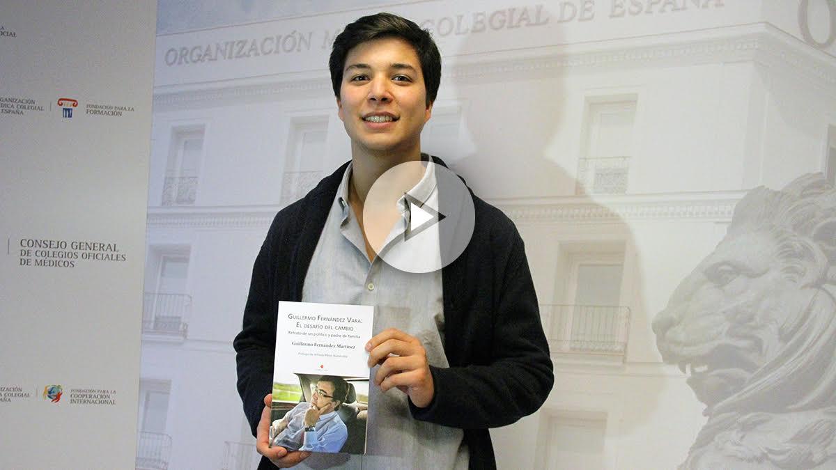Guillermo Fernández Martínez, hijo del dirigente Guillermo Fernández-Vara presenta su libro. (Foto: Enrique Falcón)