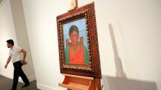El cuadro 'niña con collar' expuesto. Foto: Agencias