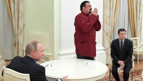 Steven Seagal en el Kremlin.