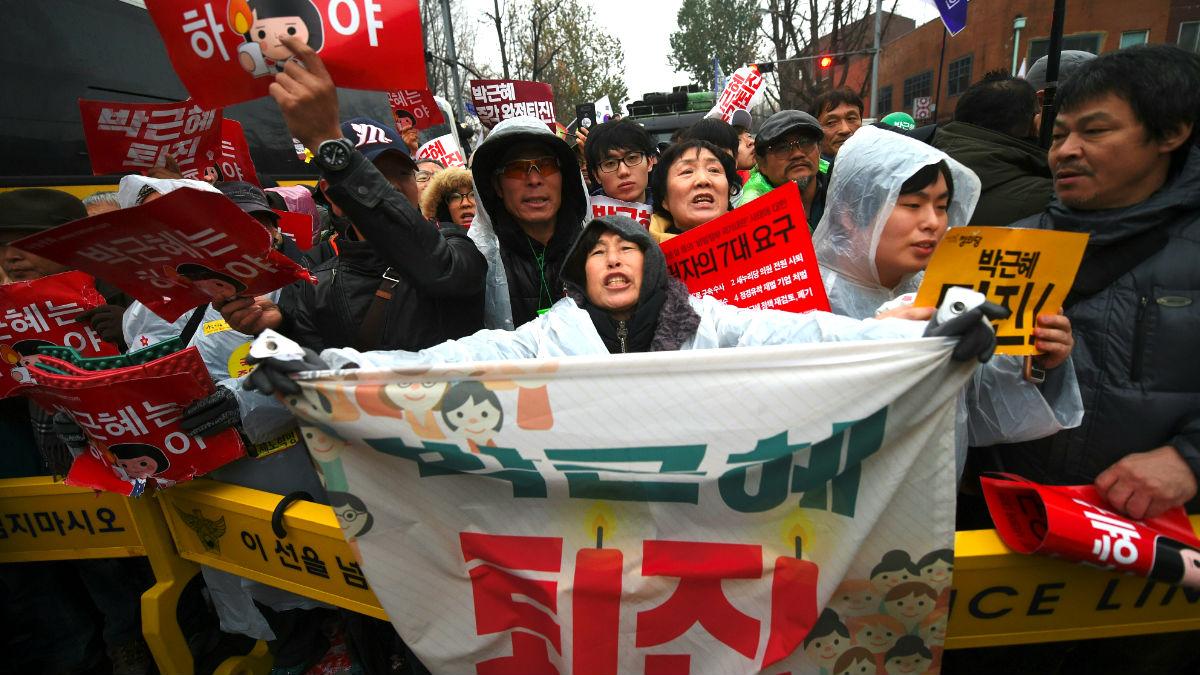 Manifestantes en la protesta de Seúl contra la presidenta de Corea (Foto: AFP).