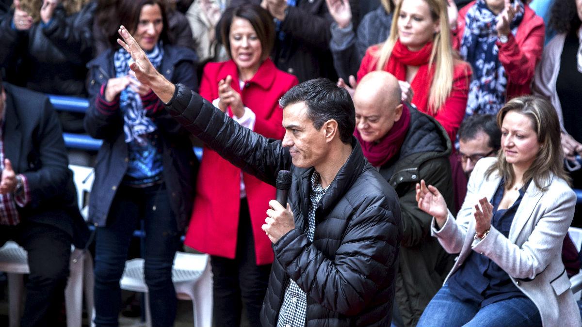 Pedro Sánchez durante el acto en Xirivella (Foto: Efe).
