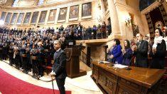 Urkullu es aplaudido tras su proclamación (Foto: Efe).