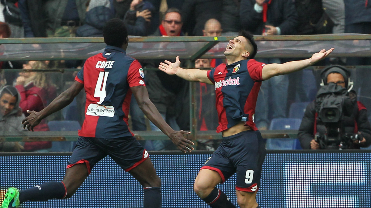 Gio Simeone celebra uno de sus goles a la Juventus