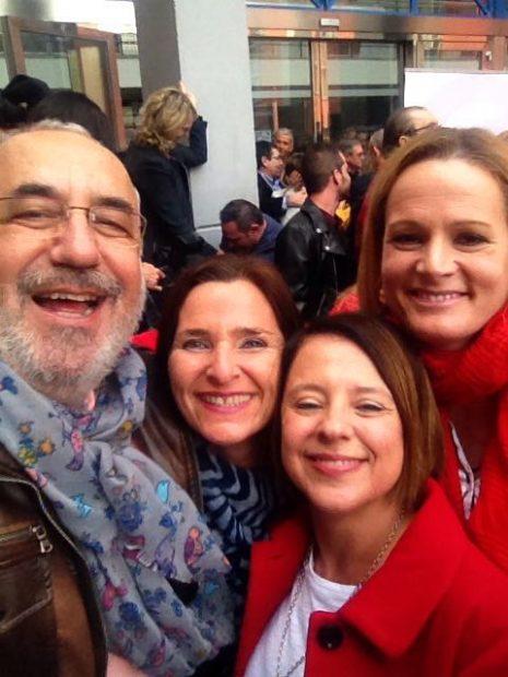 """Los diputados del 'no' y Sánchez más unidos que nunca: """"Estamos en contacto permanente por Whatsapp"""""""