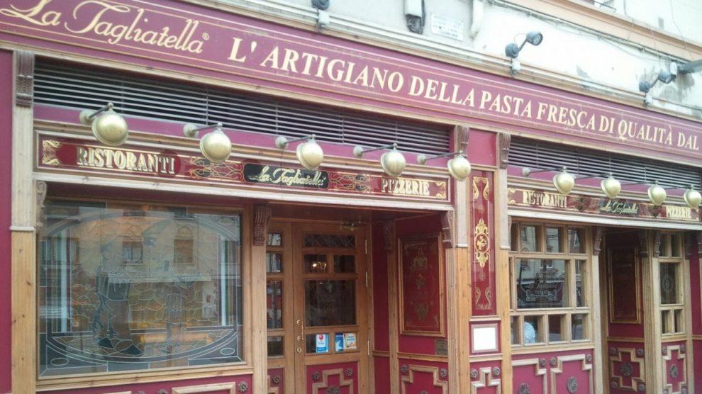 Fachada de un restaurante La Tagliatella