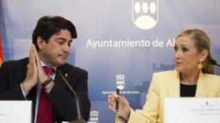 Cristina Cifuentes y David Pérez (@ccifuentes).