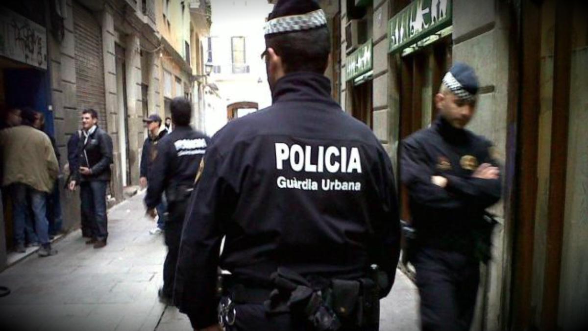 Agentes de la Guardia Urbana.