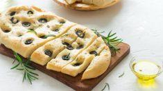 Receta de Pan de aceite de oliva con romero y aceitunas